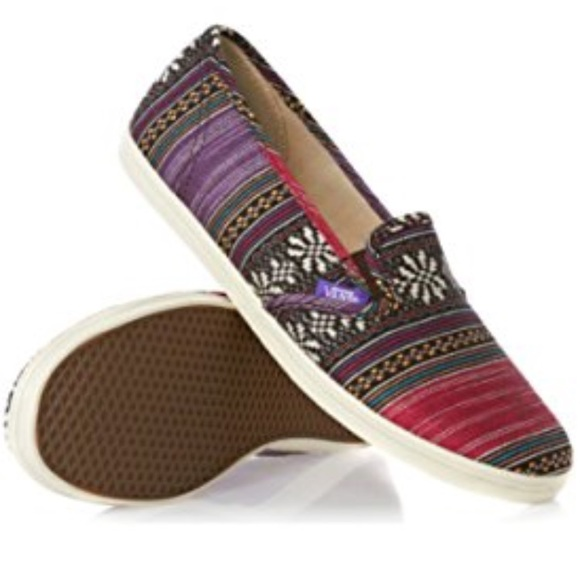 e3e3ff43b1e859 Vans Guate Stripe Slip On Lo Pro Shoes